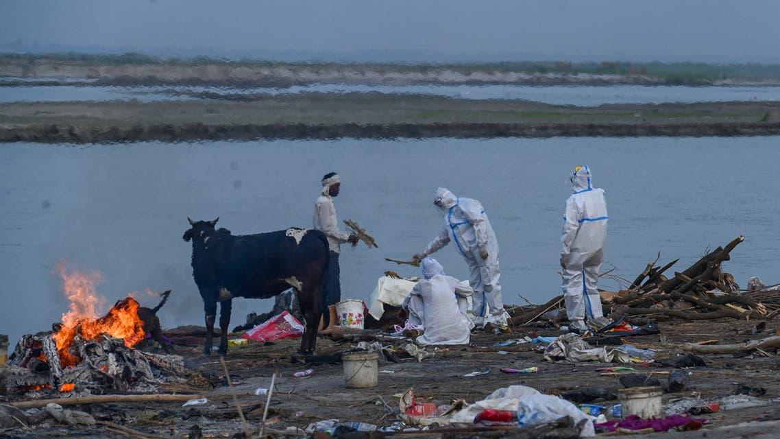 جثث كورونا في نهر بالهند