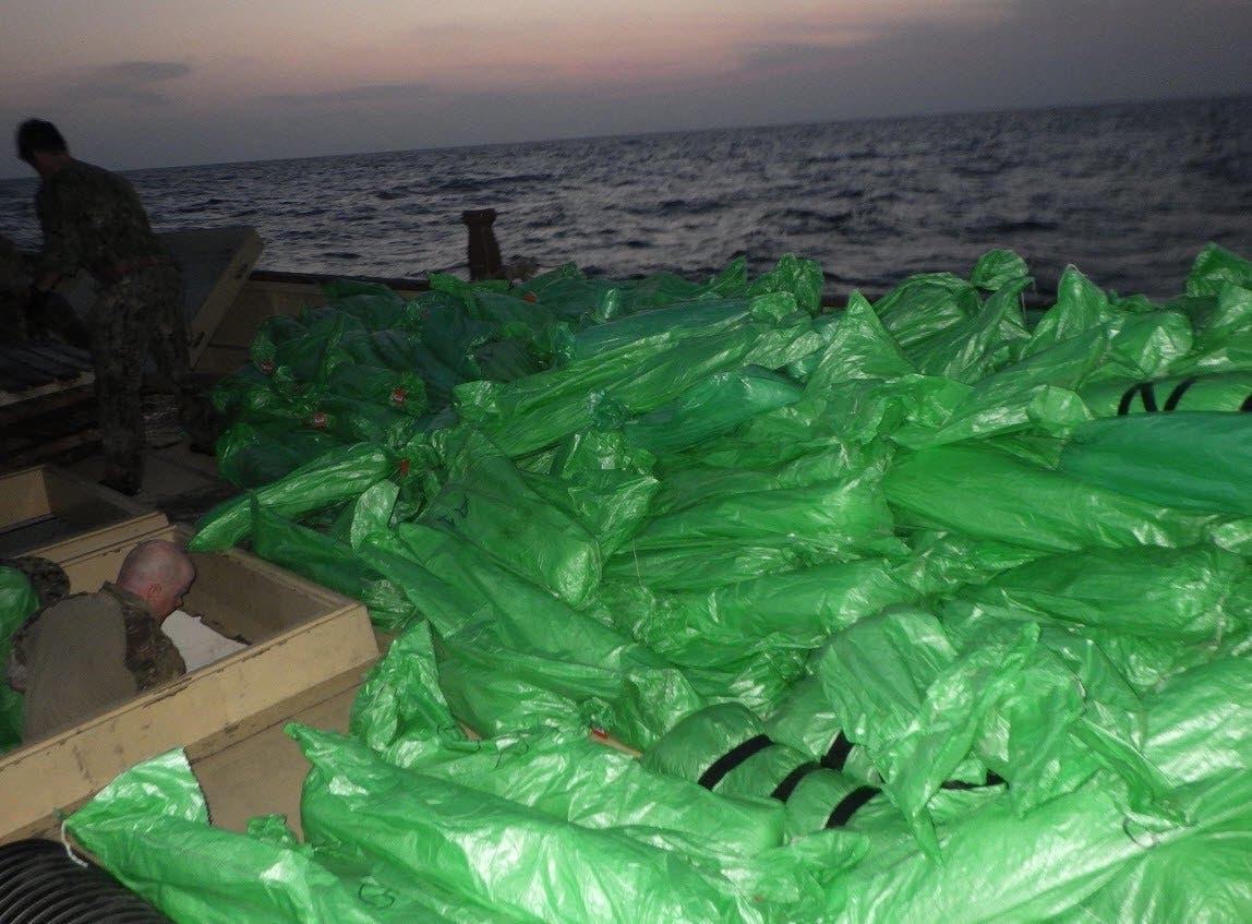 اسلحه که ایران برای حوثیها ارسال کرده بود و در دریای عرب توقیف شد