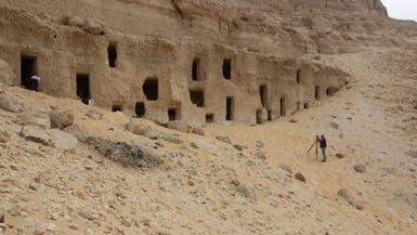 بالصور.. اكتشاف 250 مقبرة بجبانة الحامدية بسوهاج