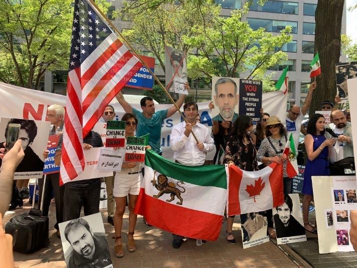 تجمع اعتراضی علیه نایاک در واشنگتن