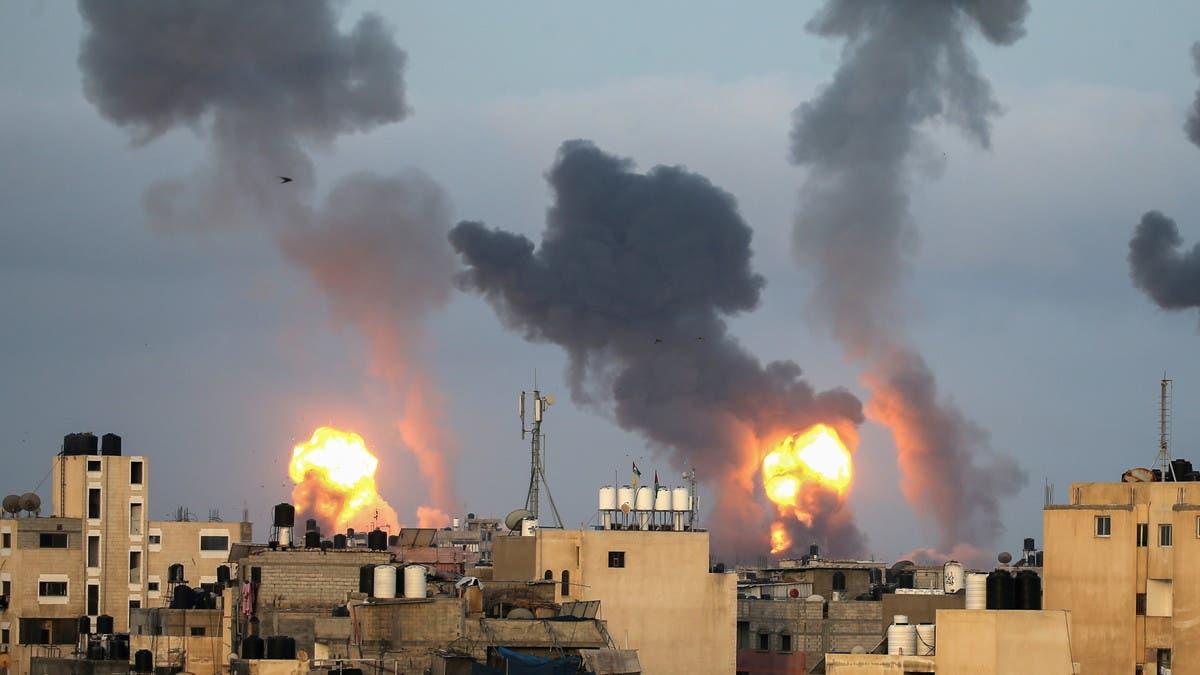 قصف إسرائيلي بري وبحري على قطاع غزة