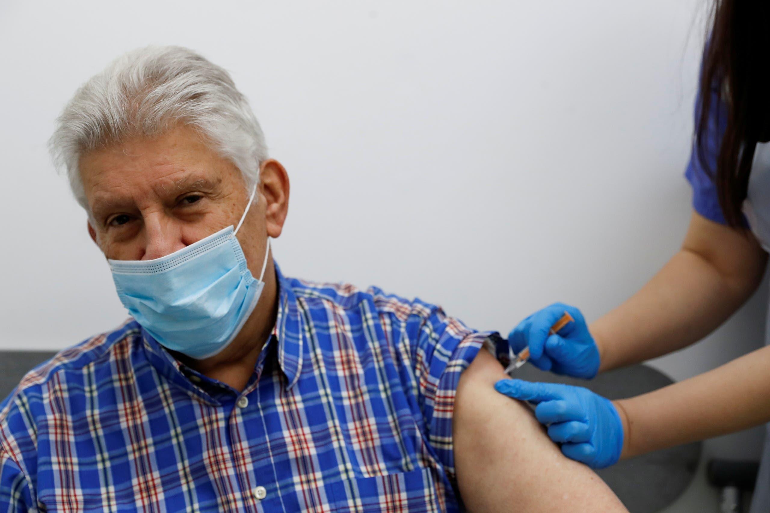 من حملة التطعيم ضد كورونا في بريطانيا