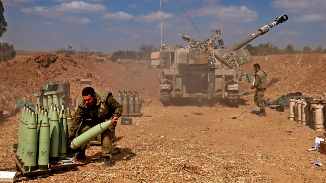 قوات إسرائيلية تقصف غزة (فرانس برس)