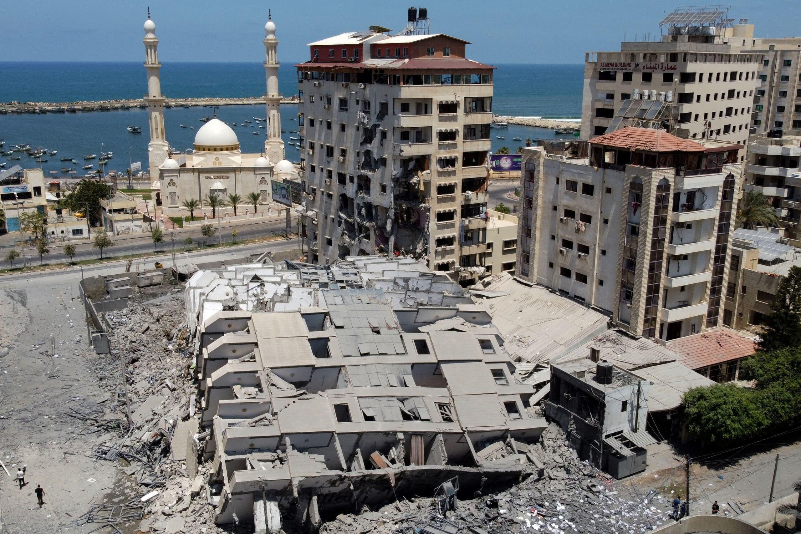 اسرائیلی بمباری سے تباہ ہونے والی غزہ کی عمارتیں