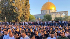 الاقصیٰ:اسرائیلی فورسزکے جبروتشددکے باوجود ہزاروں فلسطینیوں کی نمازِعید میں شرکت