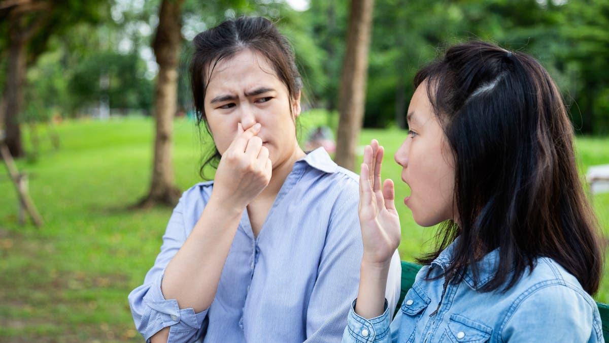 رائحة الفم الكريهة.. إليك أسهل 4 طرق للتخلص منها