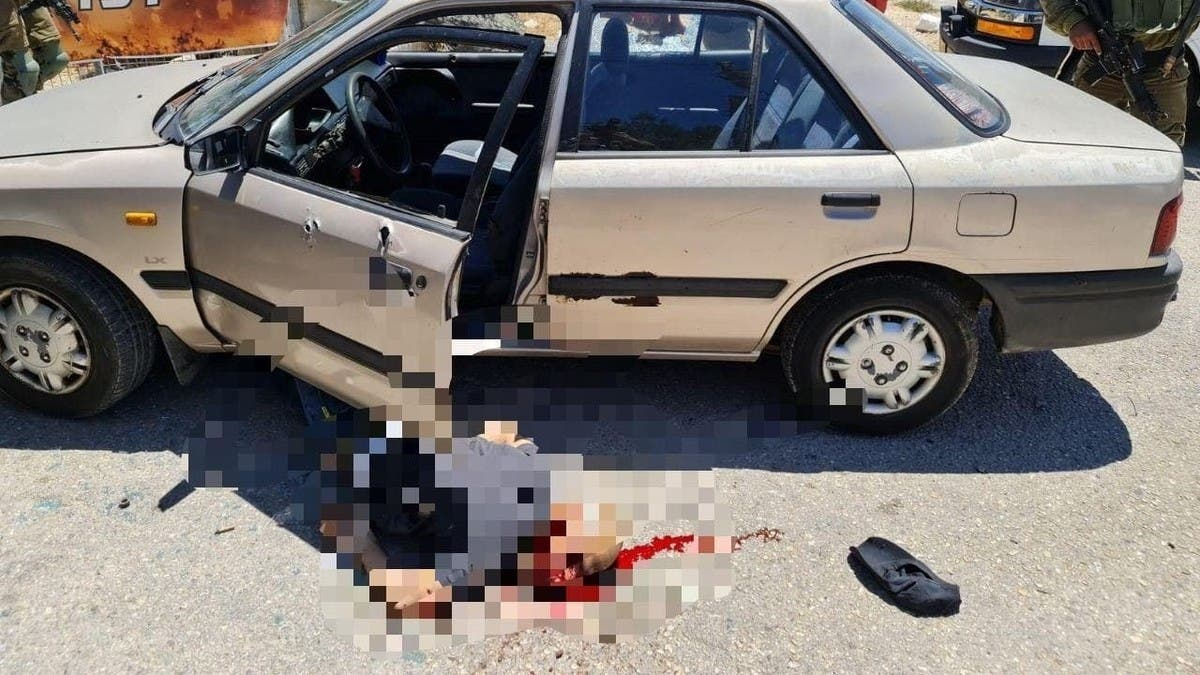 بالصورة.. إسرائيل تقتل فلسطينياً حاول طعن جنود بالضفة