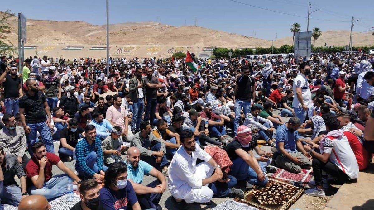 شاهد.. احتشاد آلاف الأردنيين قرب الحدود الفلسطينية