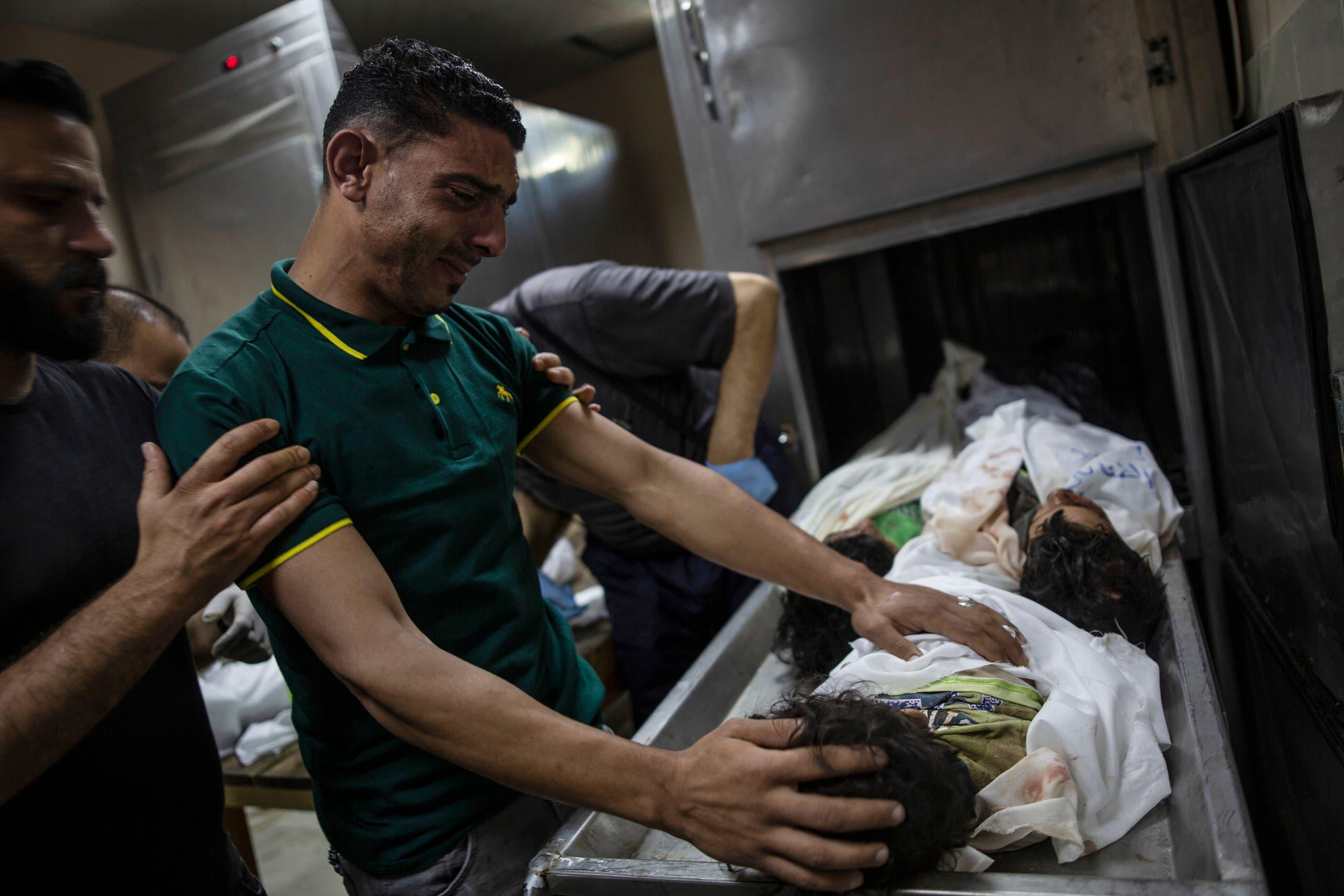 ضحايا القصف على غزة (أسوشييتد برس)