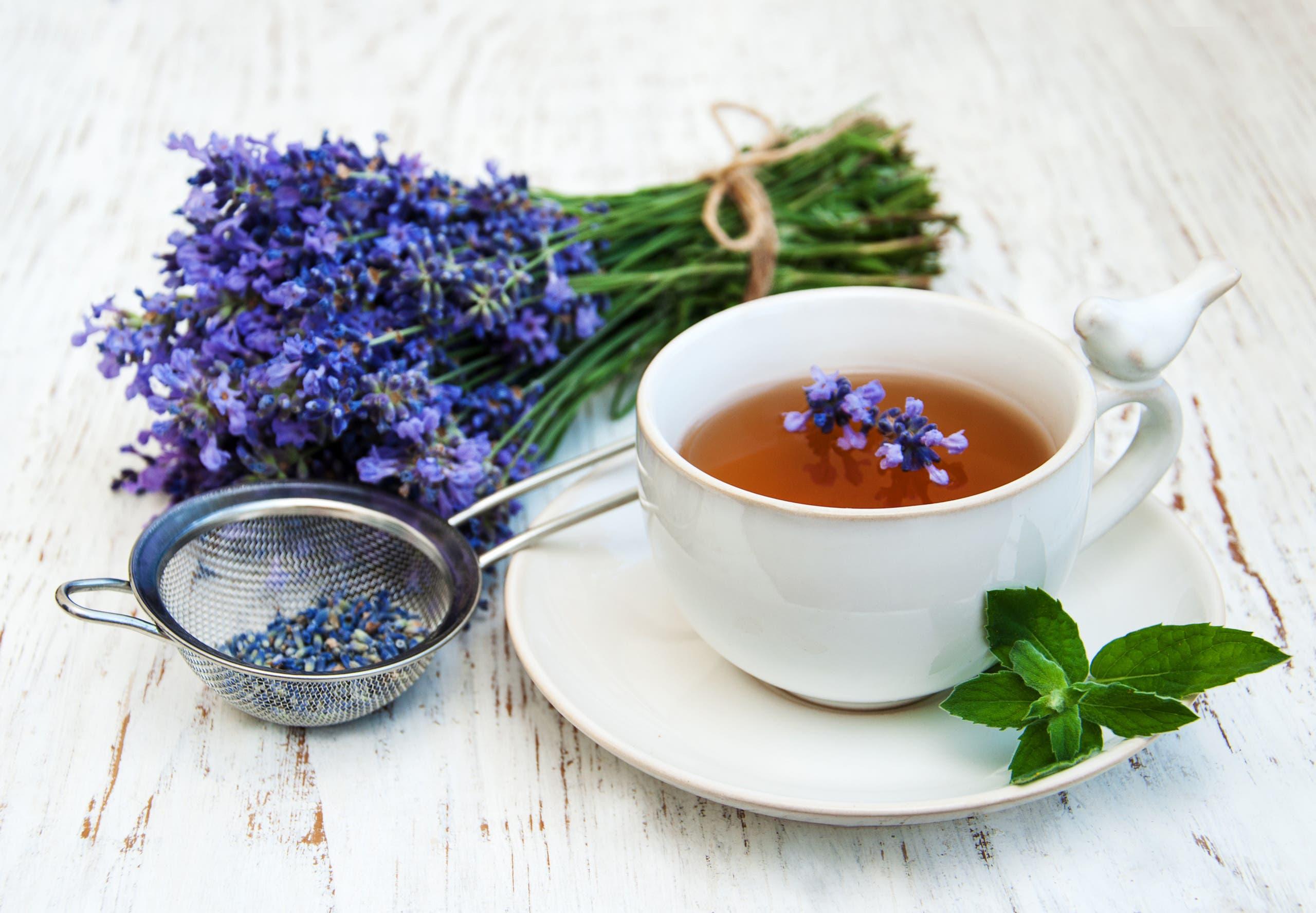 شاي اللافندر (شترستوك)