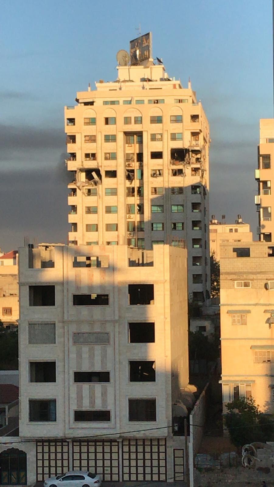 برج مشتهى بعد استهدافه بقصف تحذيري