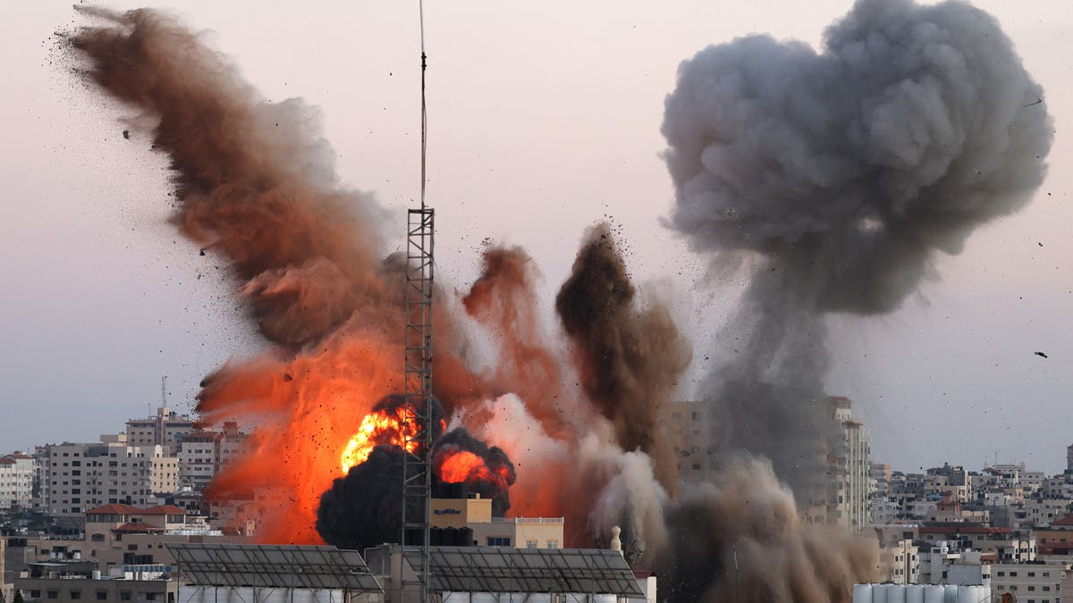 قصف غزة مستمر.. ووقف إطلاق النار قد يطل غداً