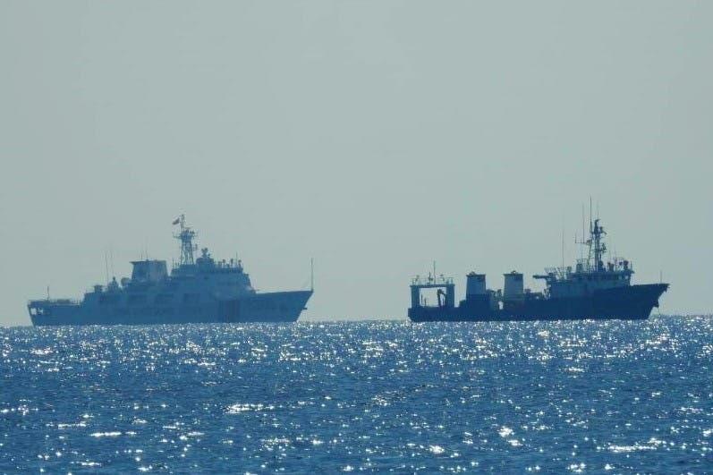 سفن صينية في بحر الصين الجنوبي (رويترز)