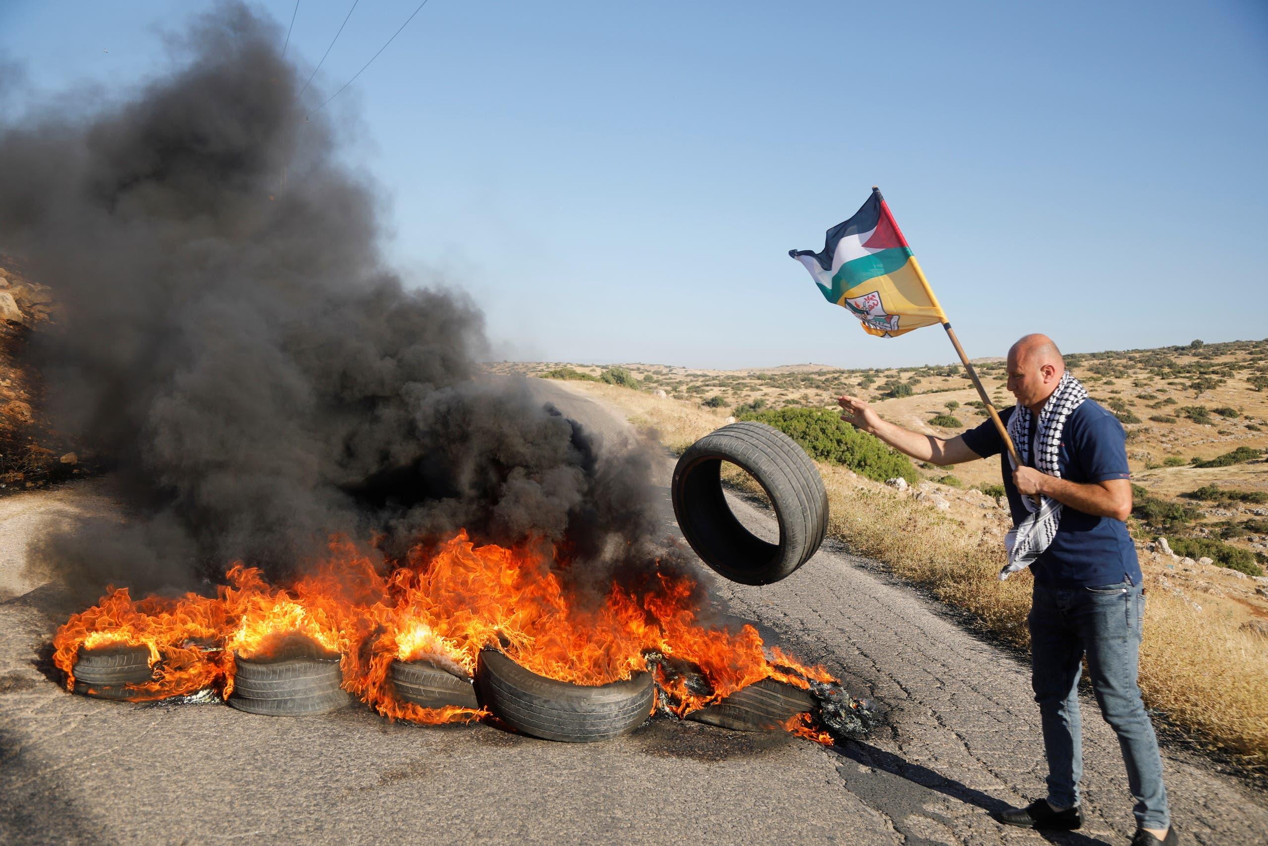 من تظاهرات الفلسطينيين بالضفة الغربية