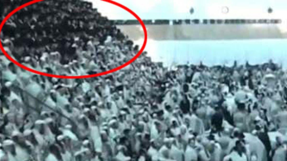 شاهد انهيار مدرج في كنيس يهودي قرب القدس ومصرع شخصين