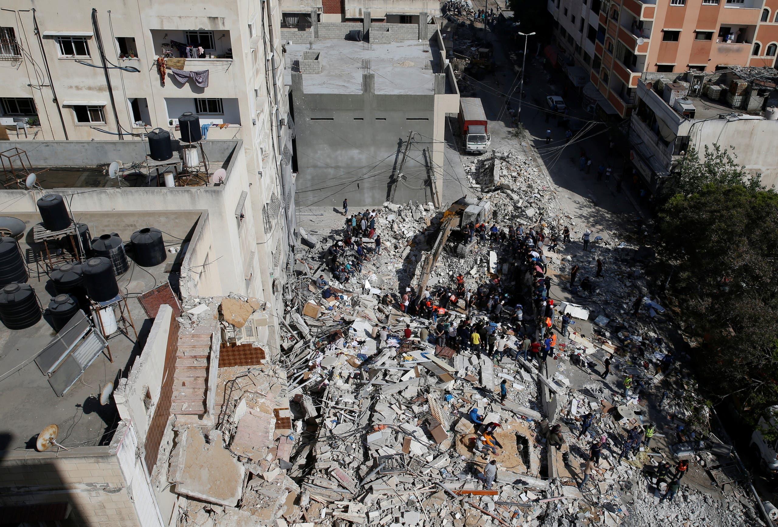 البحث عن أحياء تحت الأنقاض في غزة 3