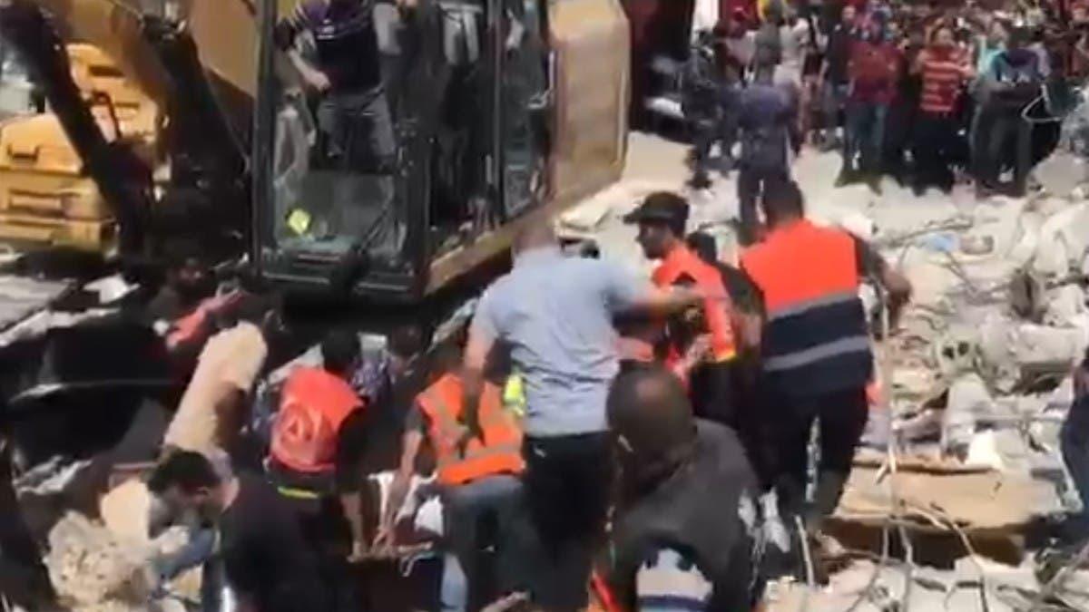 شاهد.. صواريخ إسرائيل تدفن الفلسطينيين أحياء تحت أنقاض منازلهم