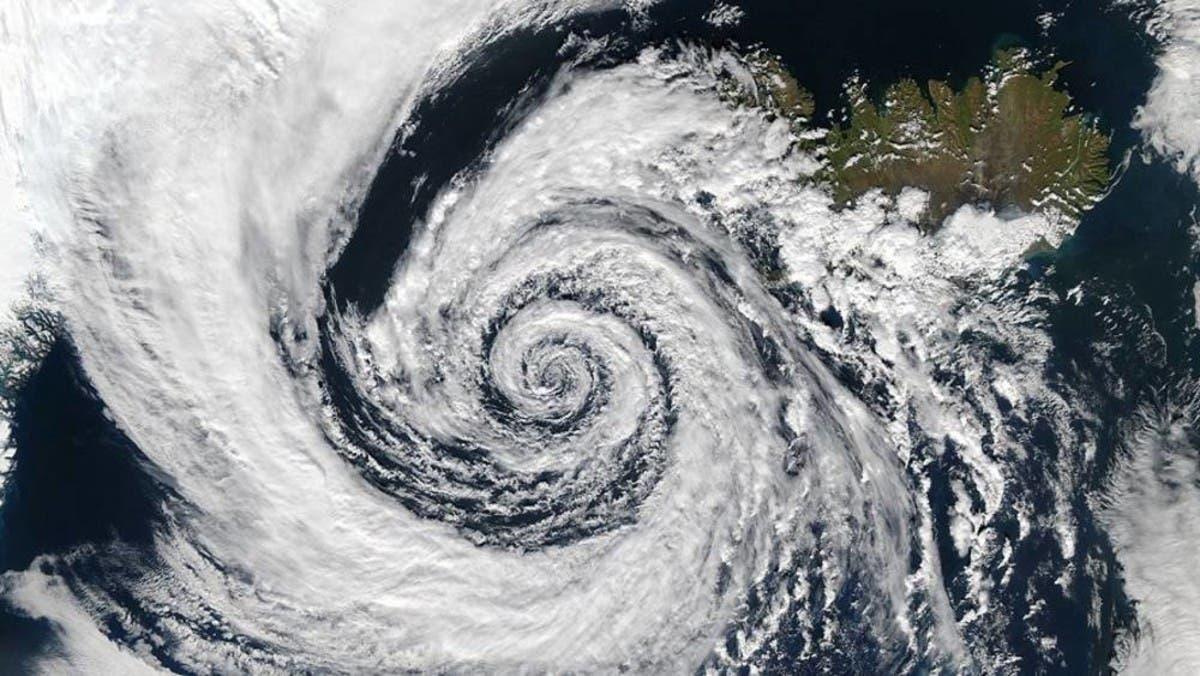 الهند تستعد لإعصار قوي وسط صعوبات لاحتواء جائحة كوفيد