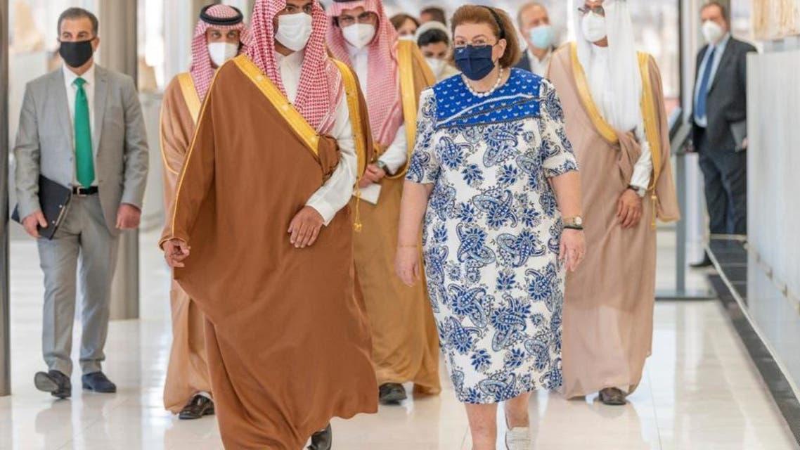وزير الثقافه السعودي يلتقي بنظيرته اليونانية
