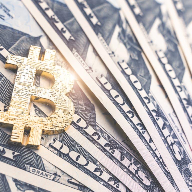 """رغم تهاوي العملة المشفرة.. مستثمر عالمي يشتري مزيداً من """"بيتكوين"""""""