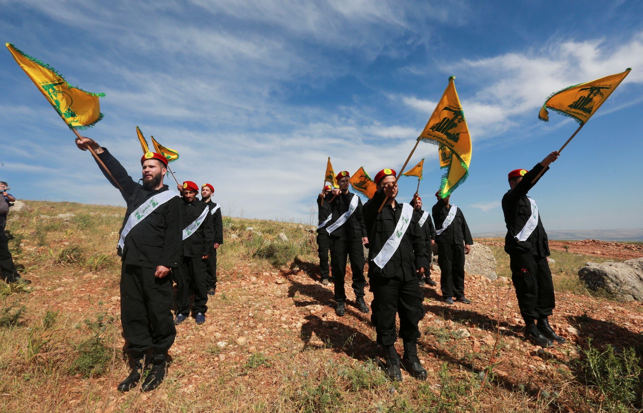 عناصر من حزب الله  (رويترز)