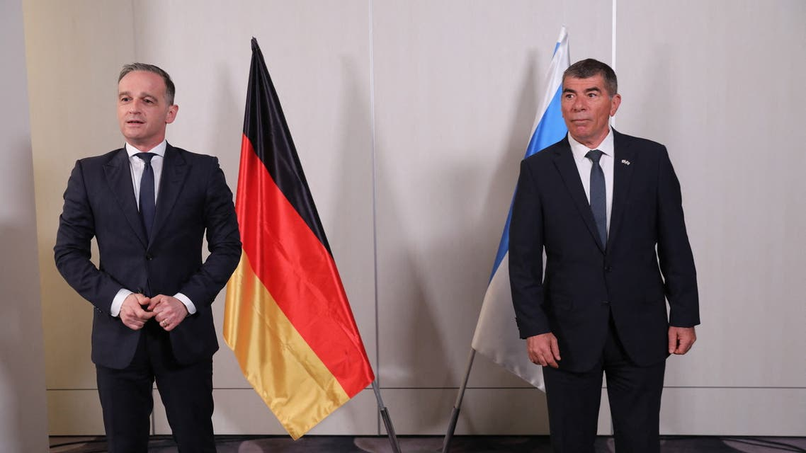 Israeli Foreign Minister Gabi Ashkenazi (R) and his German counterpart Heiko Maas (L) are pictured during a meeting at Ben Gurion Airport near Tel Aviv on May 20. (AFP)