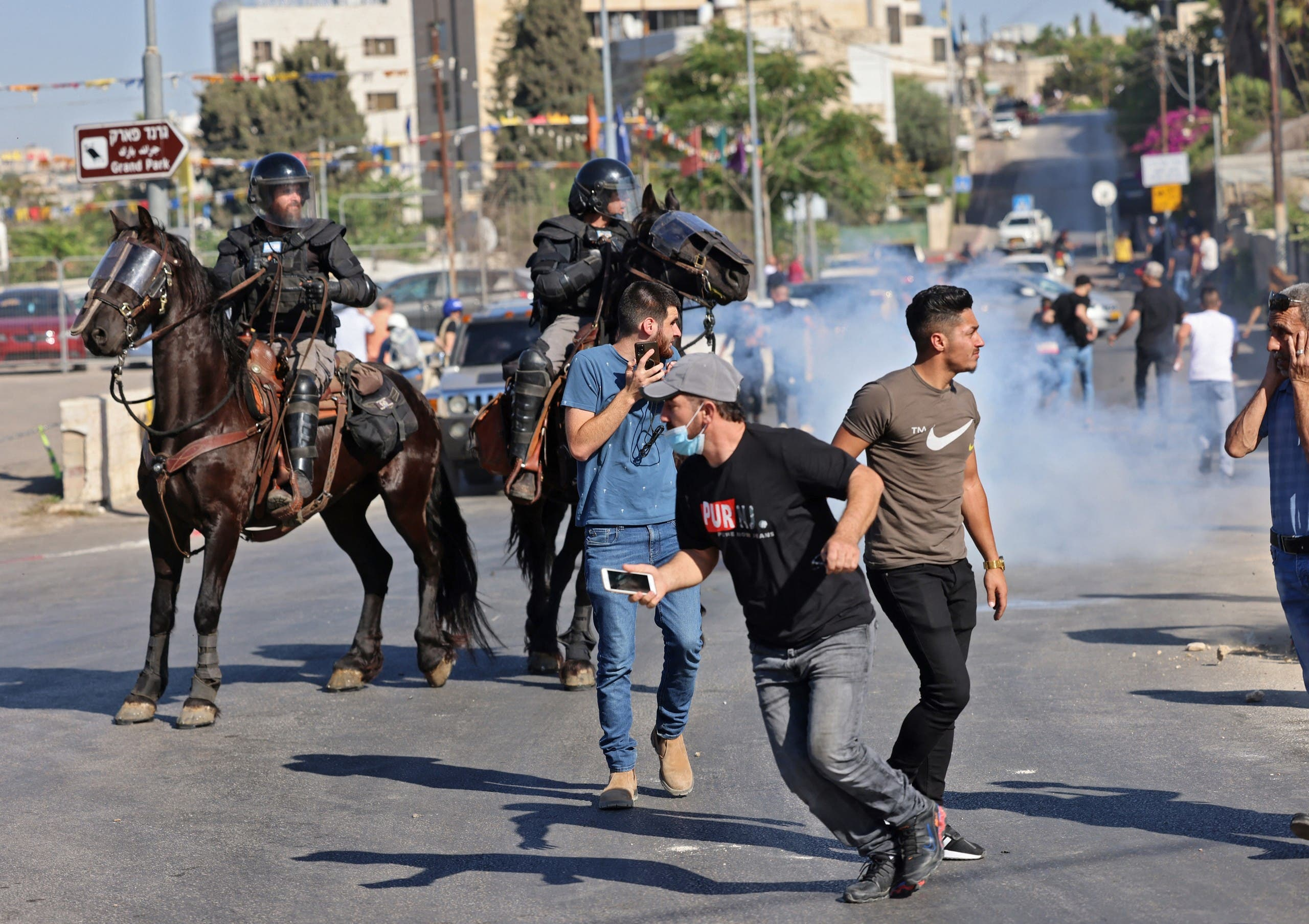 مواجهات في القدس الشرقية بين محتجين فلسطينيين والشرطة الإسرائيلية