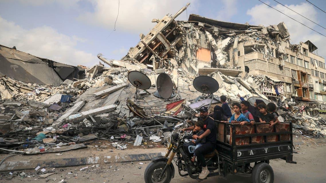 من الدمار الذي يعم غزة جراء القصف الإسرائيلي