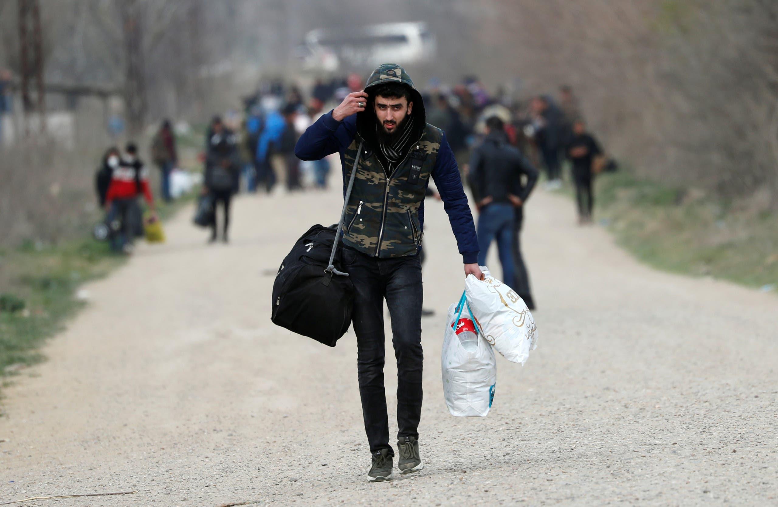 مهاجرون في تركيا يتوجهون صوب الحدود البرية مع اليونان في مارس 2020
