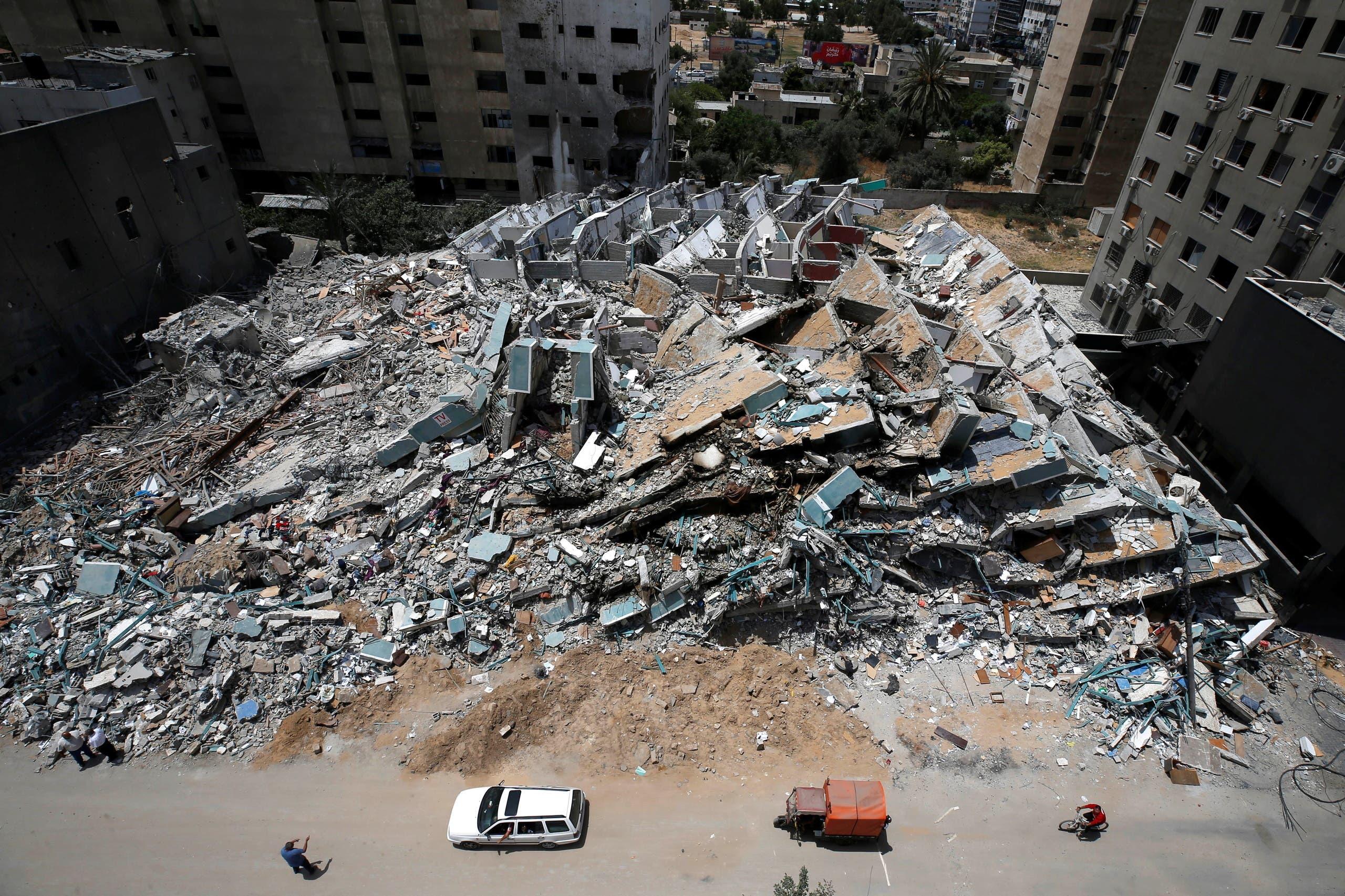 الدمار هو المشهد السائد في غزة بعد 11 يوما من القصف