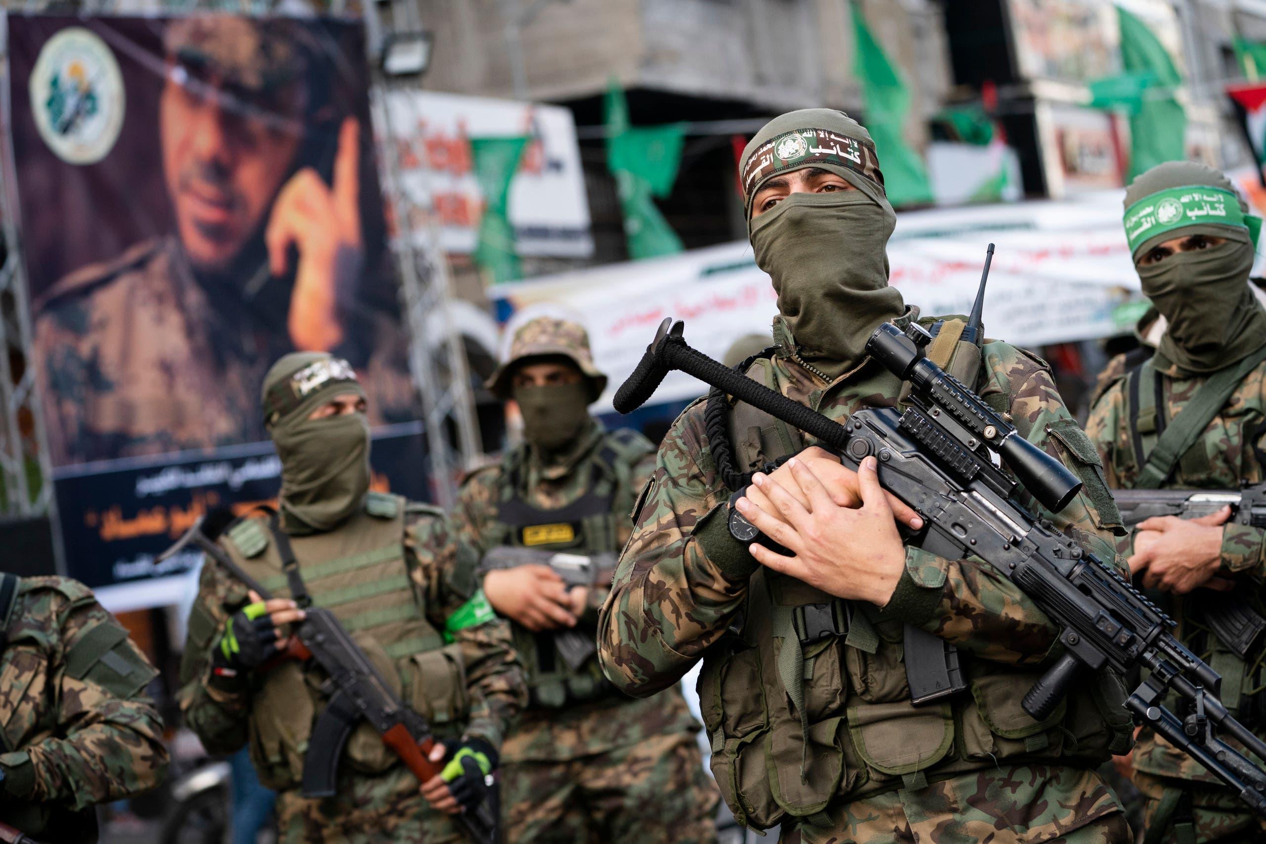 عناصر من كتائب القسام في غزة (أسوشييتد برس)