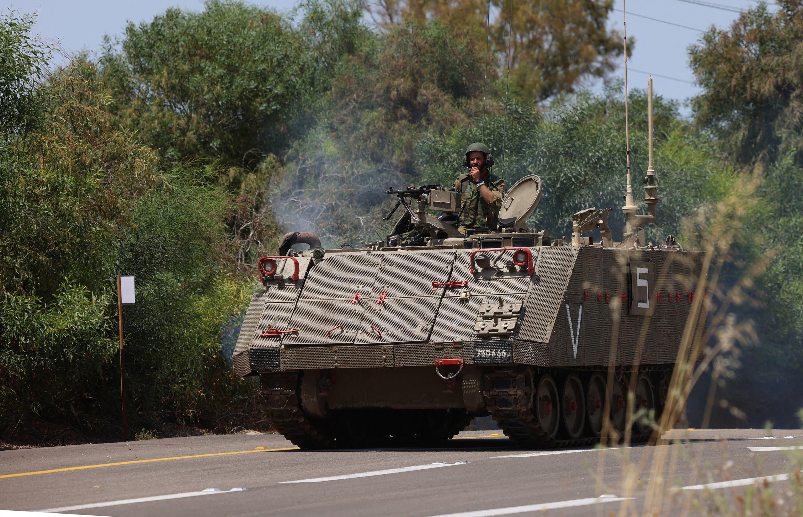 دبابة إسرائيلية قرب معبر حدودي مع قطاع غزة