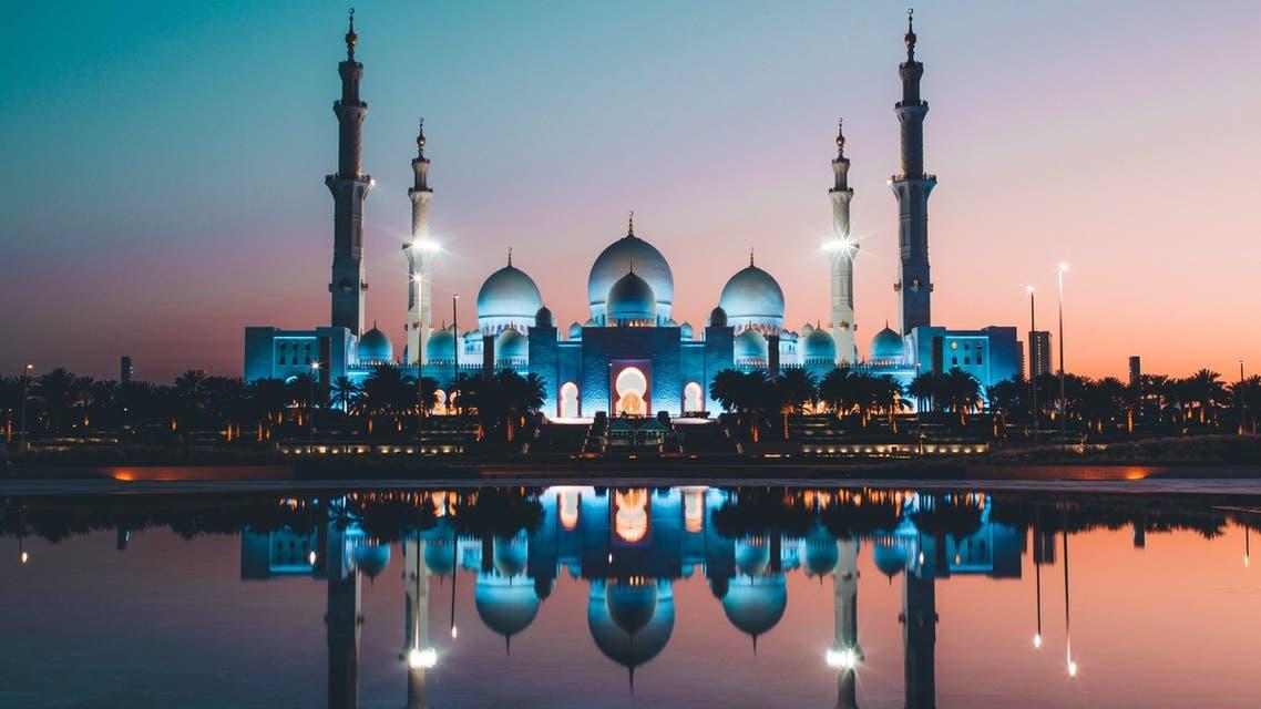 Abu Dhabi's Sheikh Zayed Mosque at sunset. (Unsplash, David Rodrigo)