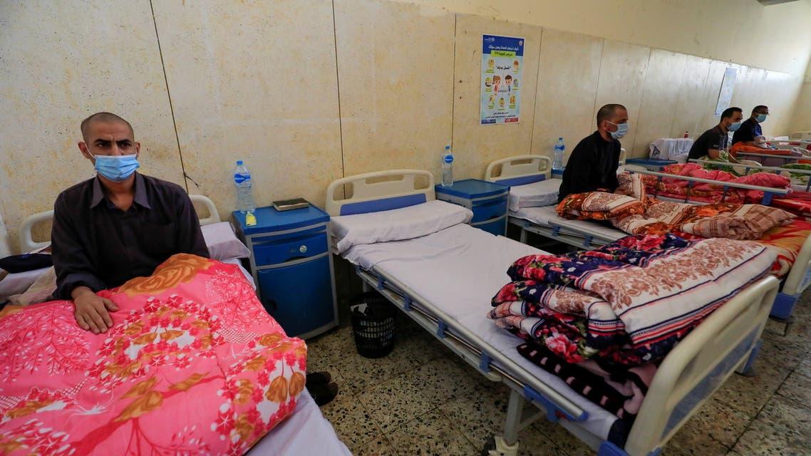 مصابون بفيروس كورونا في مصر (رويترز)