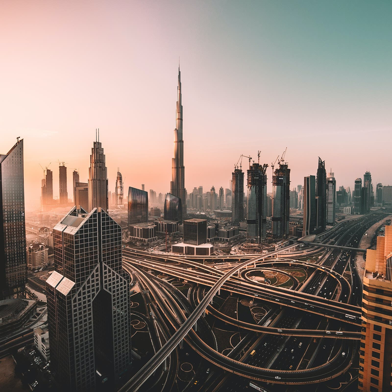 UAE announces plans to invest billions in economy, ease visa rules for expats