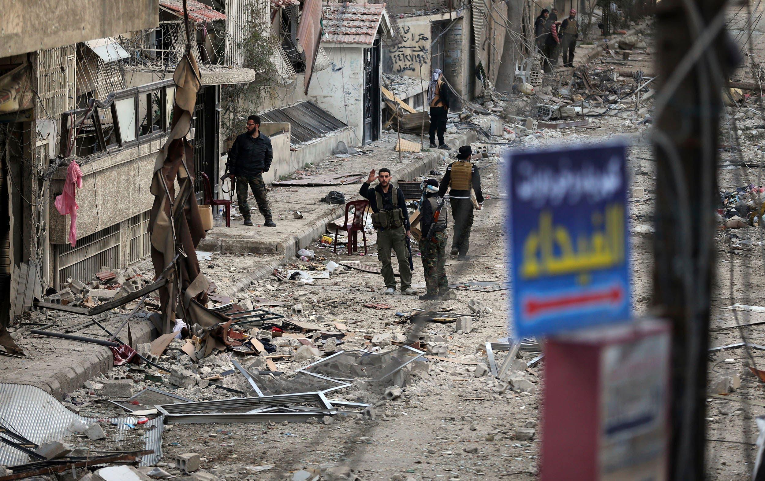 عناصر من هيئة تحرير الشام(أرشيفية- رويترز)