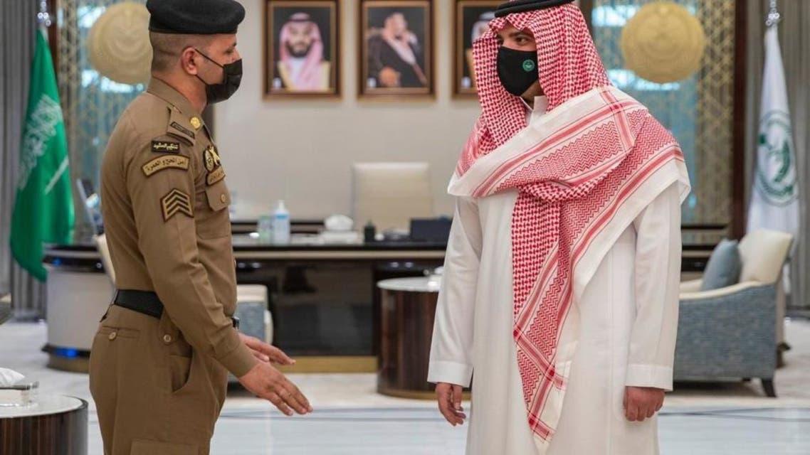 وزير الداخلية استقباله رجل أمن الحرم