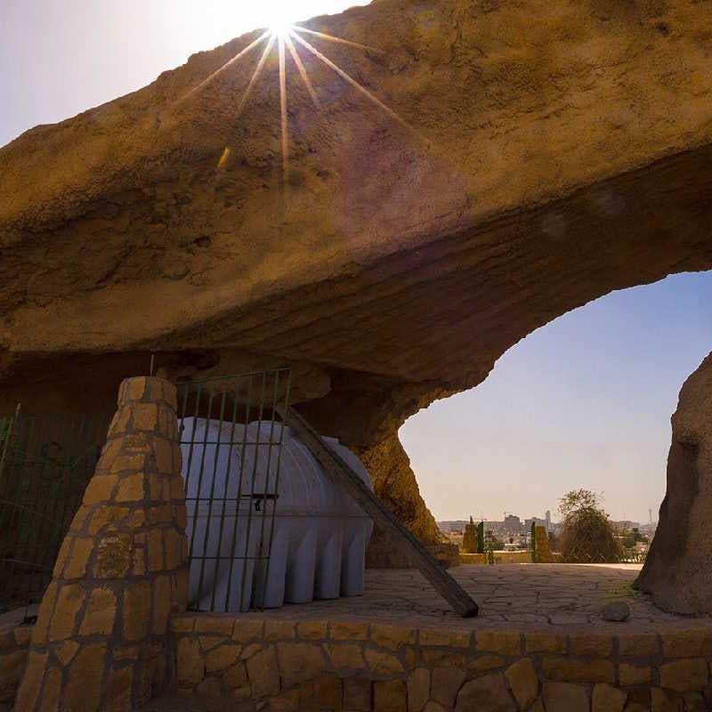 """تطوير جبل """"أبو مخروق"""" بالرياض الذي ارتبط تاريخه بالملك المؤسس"""