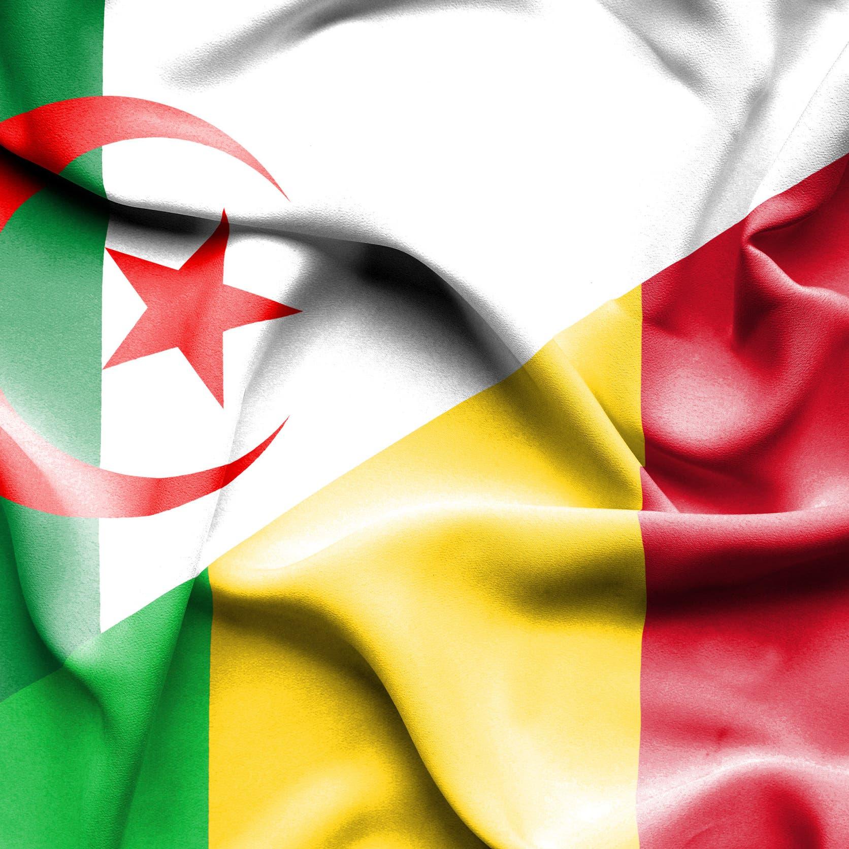 """الجزائر ترفض """"التغيير بالقوة"""" في مالي وتدعم الرئيس نداو"""