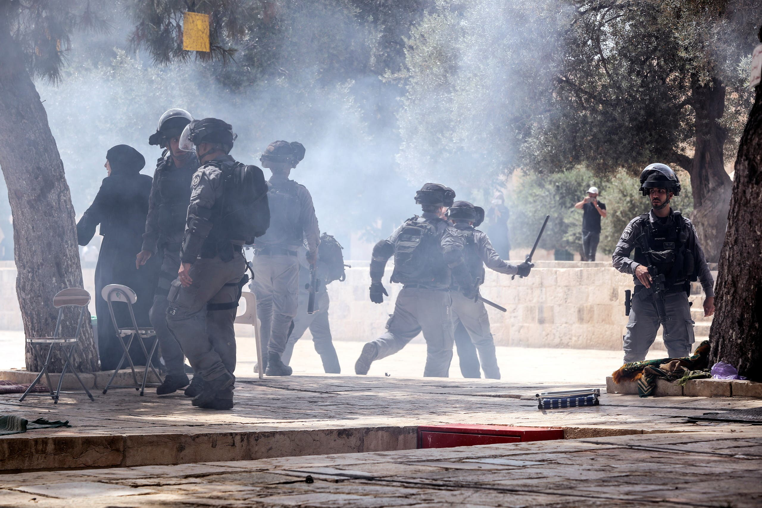 Israeli security forces clash with Palestinians at the compound that houses Al-Aqsa Mosque. (File photo: Reuters)