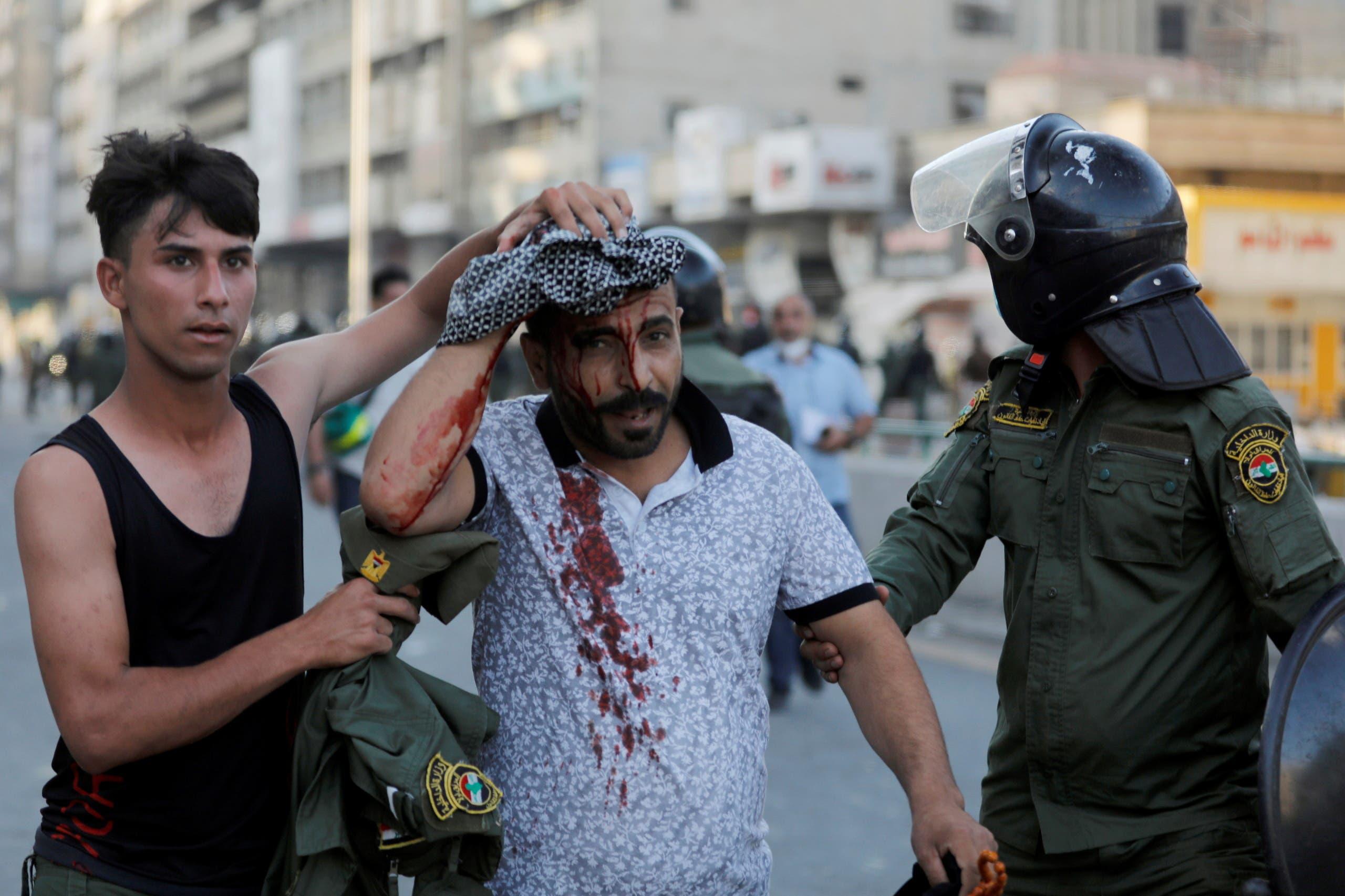 إصابة متظاهر أمس في بغداد