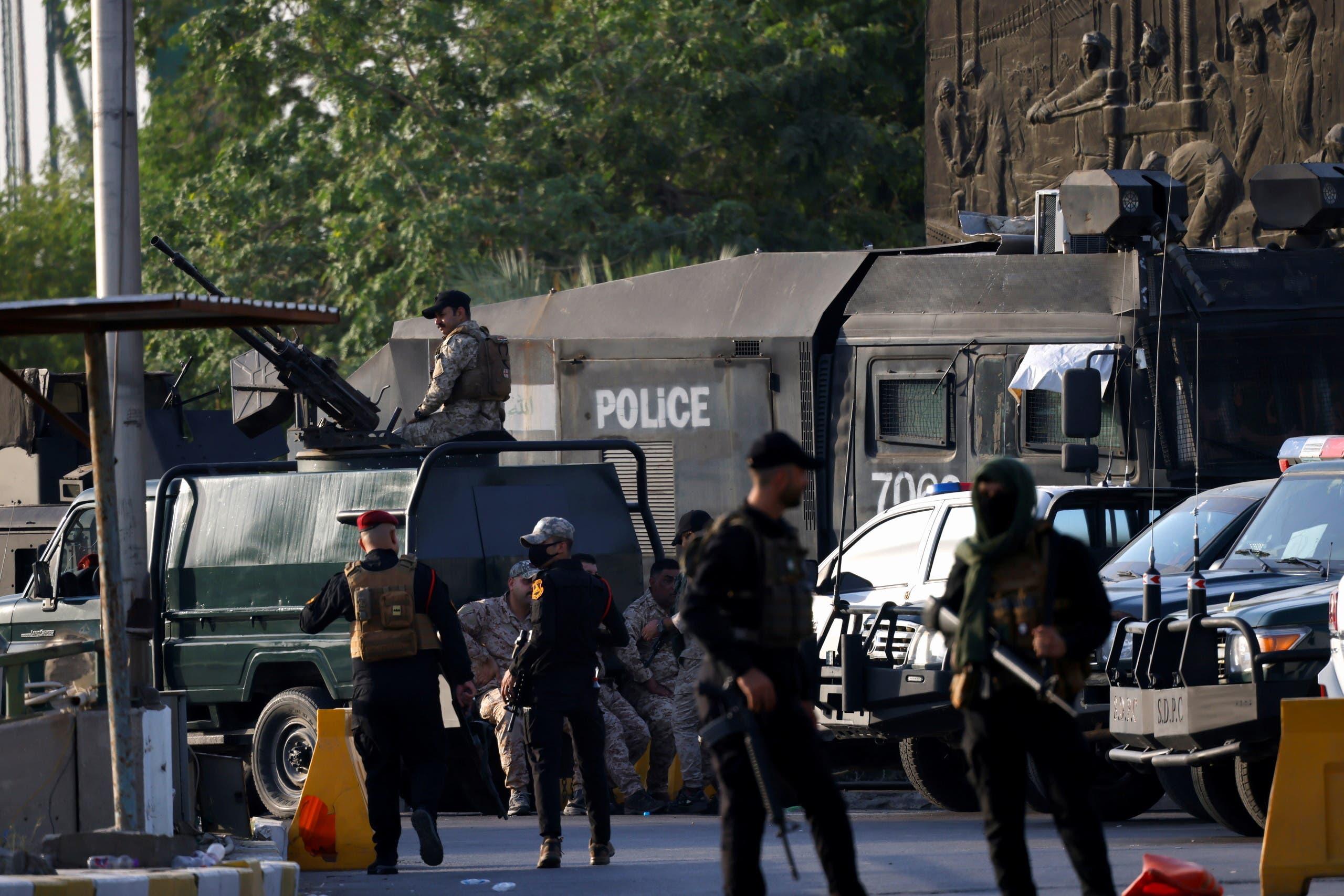 عناصر من الحشد الشعبي على مداخل المنطقة الخضراء في بغداد في 26 مايو الماضي