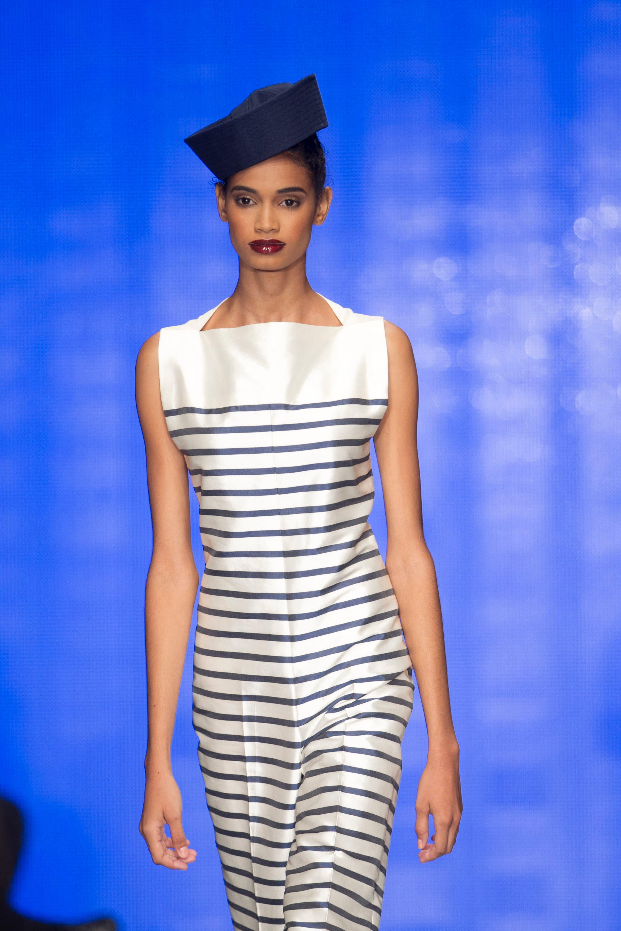 """أحد تصاميم غوتييه السابقة المبنية على """"القميص البحرية"""""""