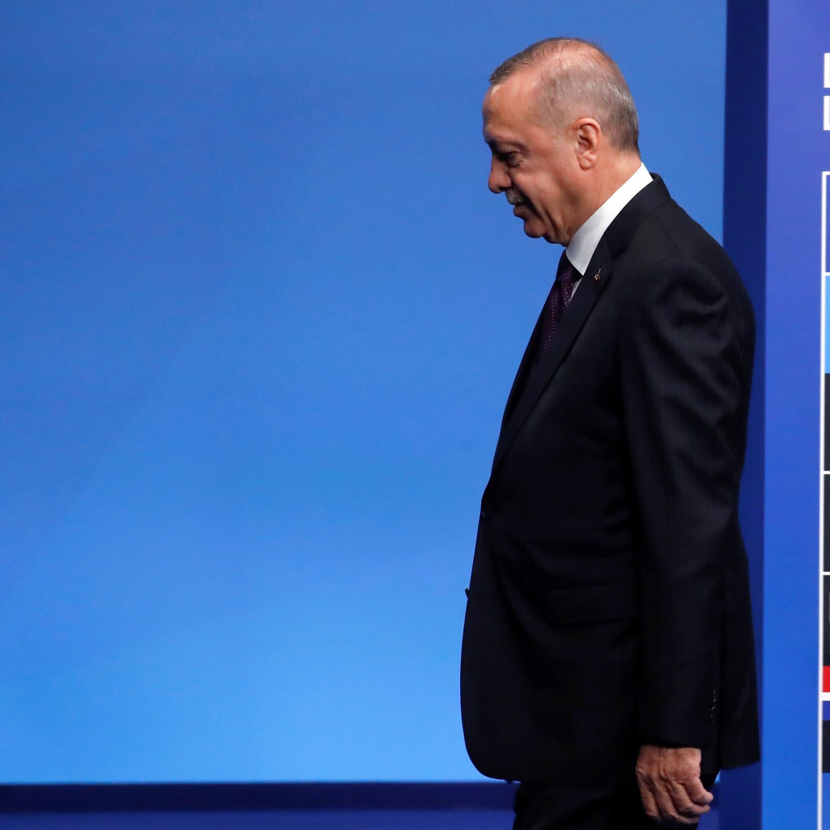 """بعد كومة خلافات تركته معزولاً.. أردوغان ينشُد """"صفحة جديدة"""" مع أميركا"""