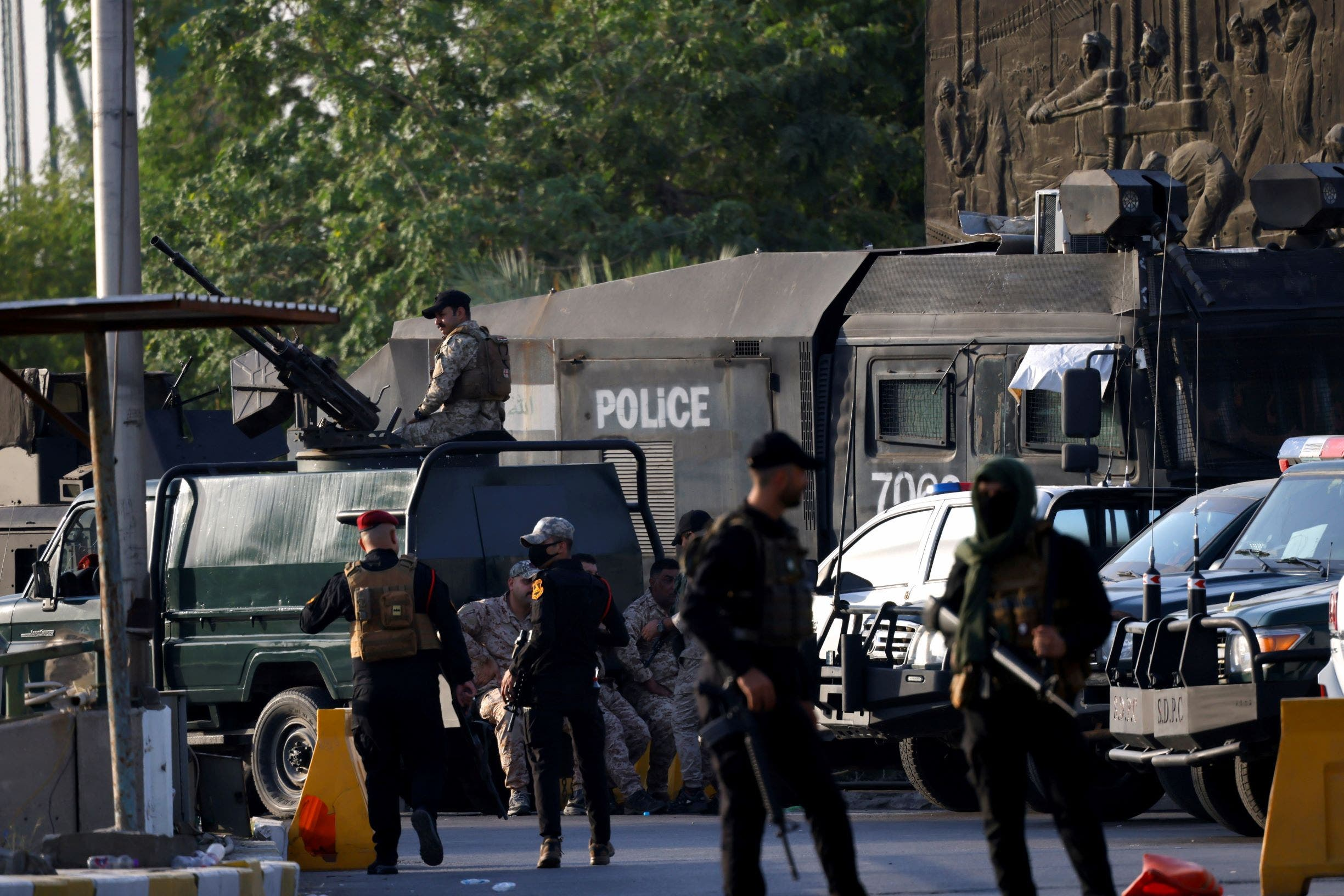 قوات الحشد عند مداخل بغداد