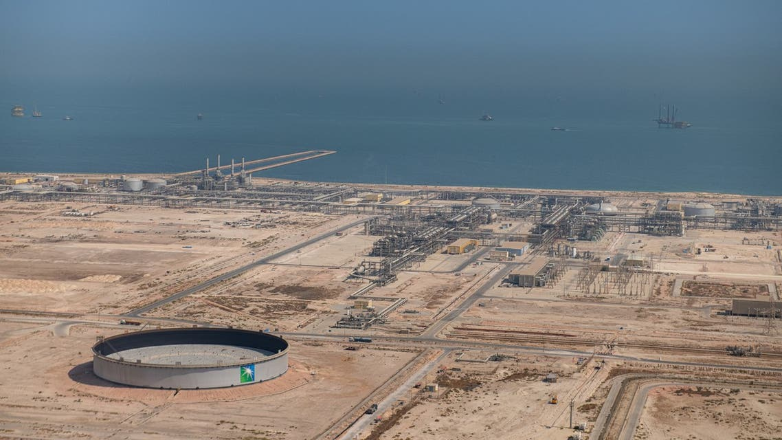 A handout picture provided by Energy giant Saudi Aramco, Saudi Arabia's Oil Company, shows its Safaniya and Tanajib onshore plants in Fadhili, located 30 km west of the city of Jubail in the eastern province of Saudi Arabia. (AFP)