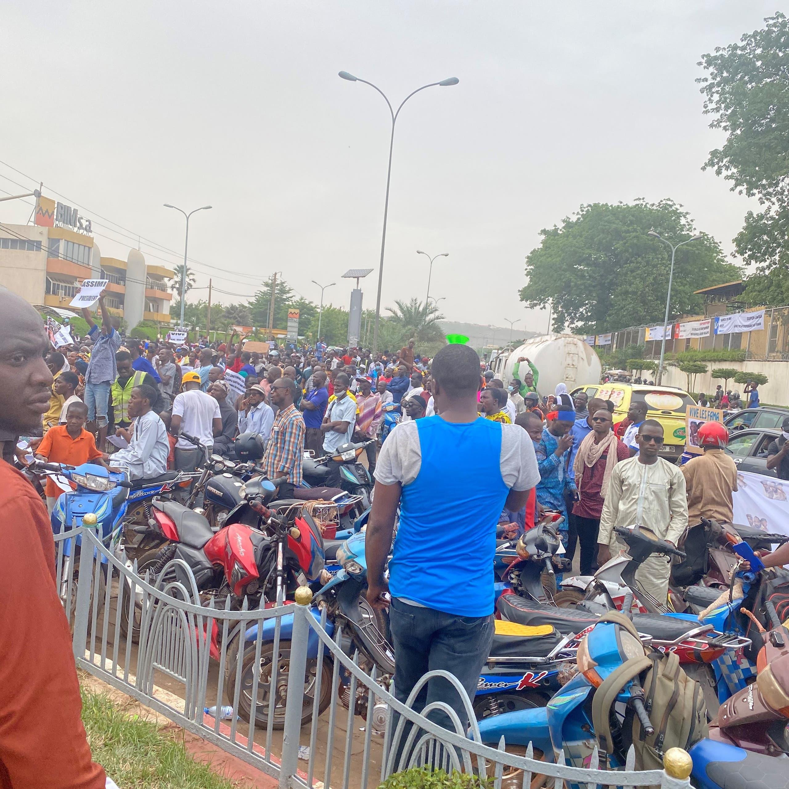 بعد انقلاب مالي.. مظاهرات لاستبدال الفرنسيين بالروس