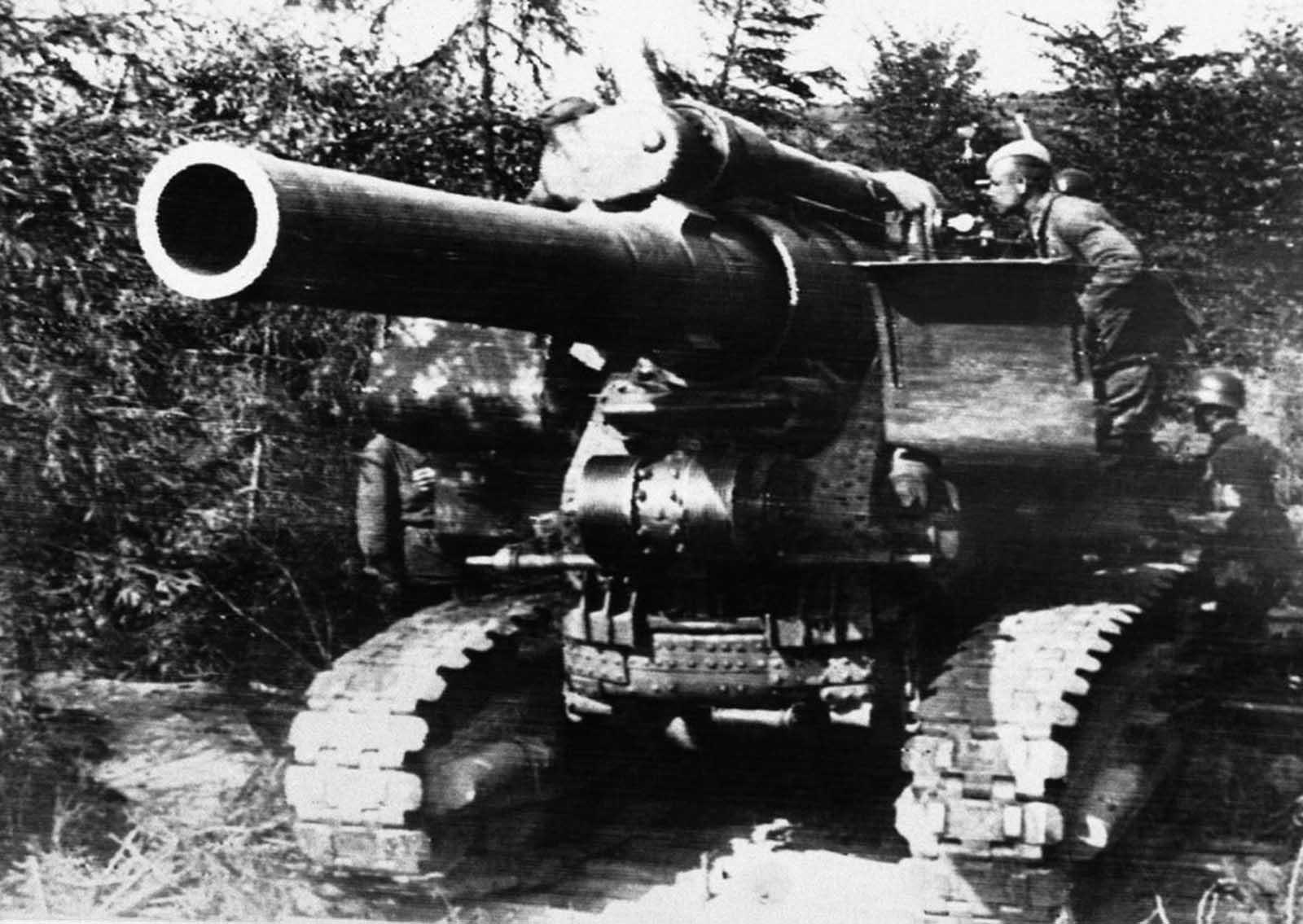 صورة لجنود سوفييت خلال محاولتهم صد التقدم الألماني