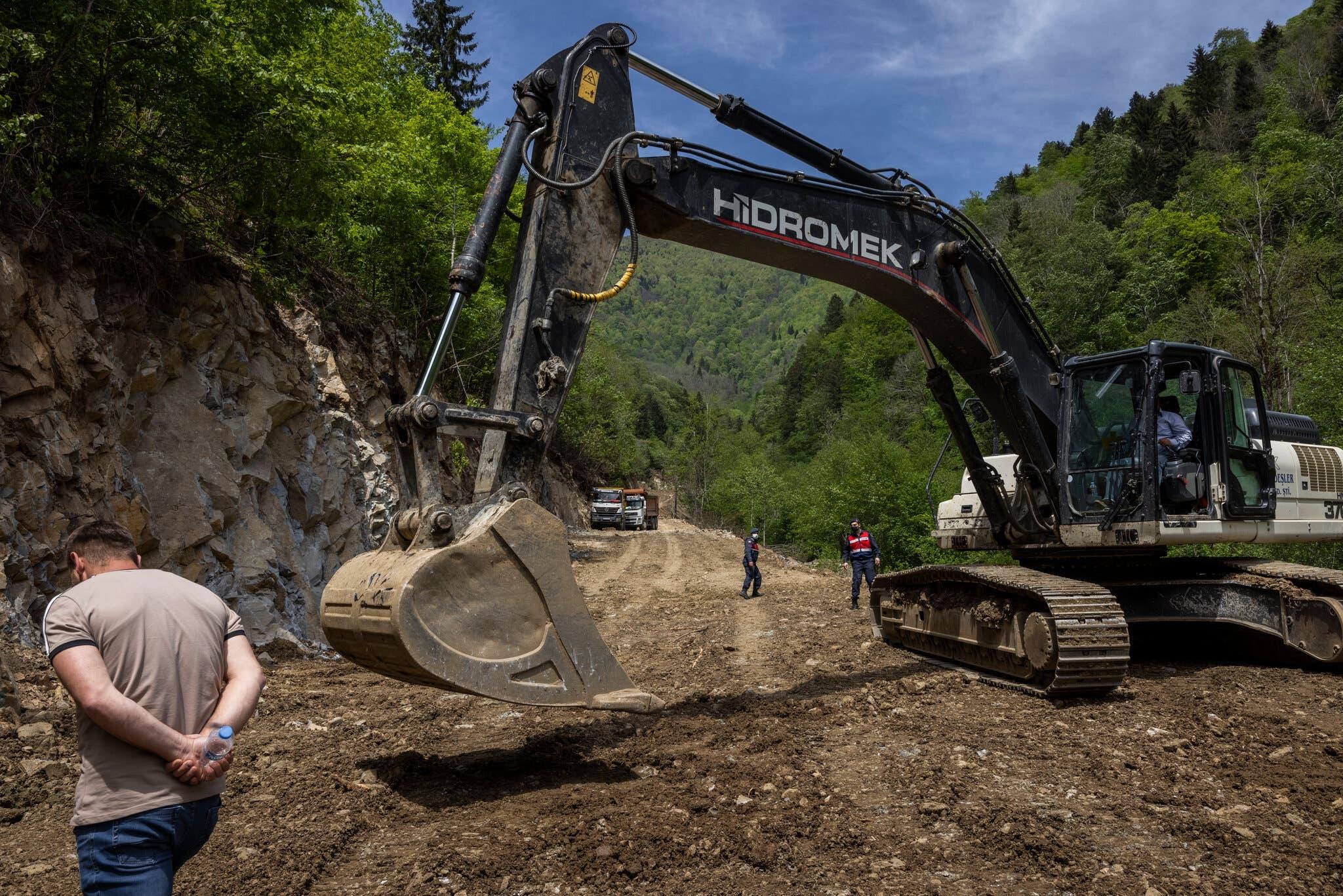 أعمال الحفر في المقاطعة