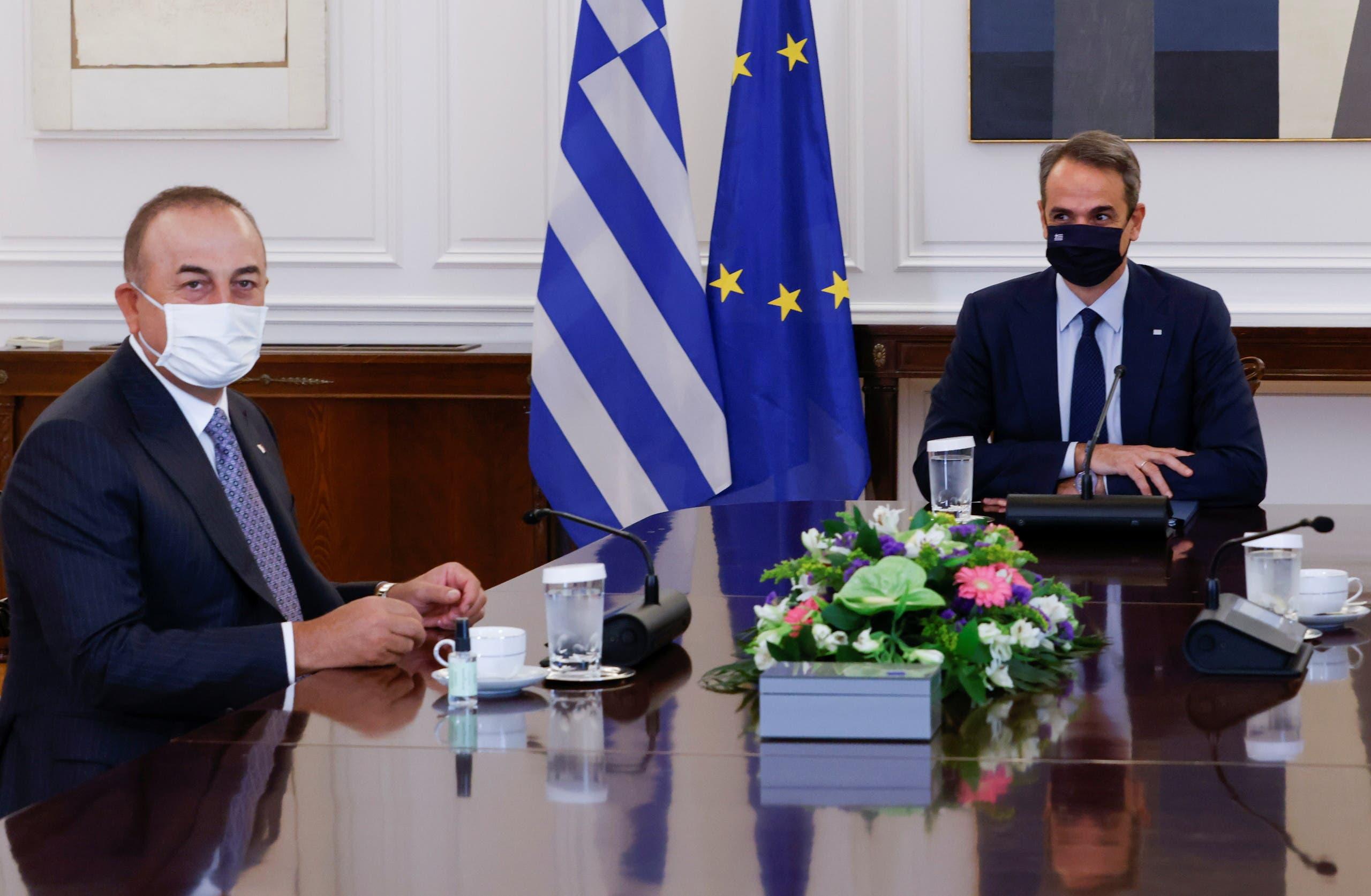 من لقاء مولود تشاوش أوغلو برئيس الوزراء اليوناني كيرياكوس ميتسوتاكيس